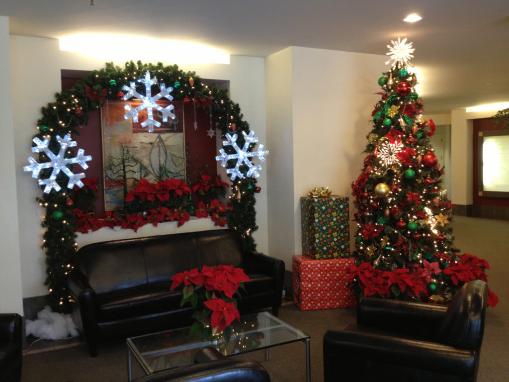 новогодний декор офиса
